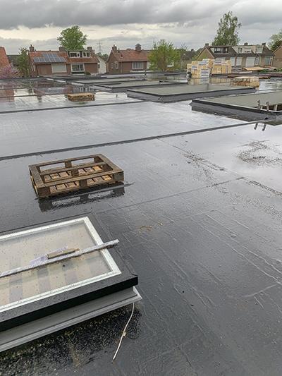 epdm-dakbedekking op 8 woonhuizen